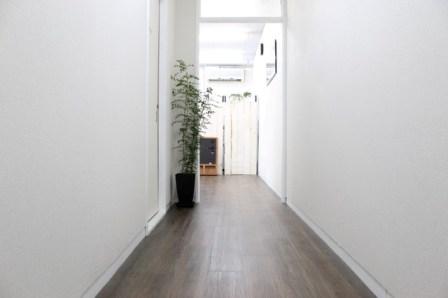 覚王山ハウス入口廊下の写真