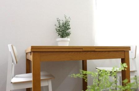 ご相談やご契約の際に使って頂くテーブルの写真